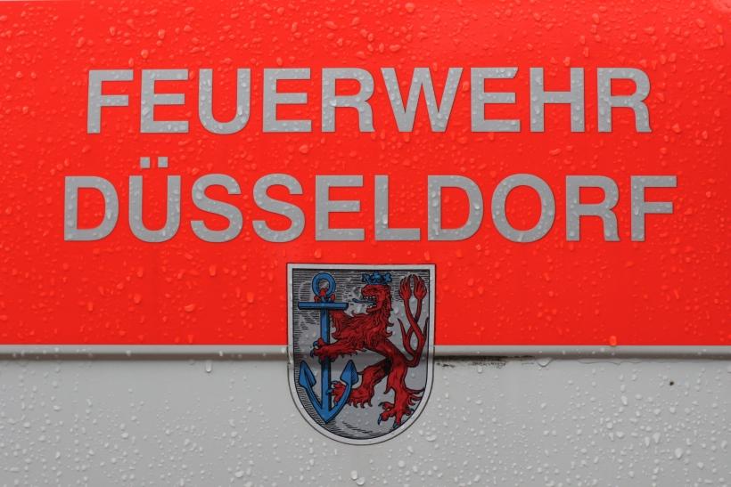 Spatenstich zum Erweiterungsbau an der Feuerwache Unterbach (xity-Foto: D. Postert)