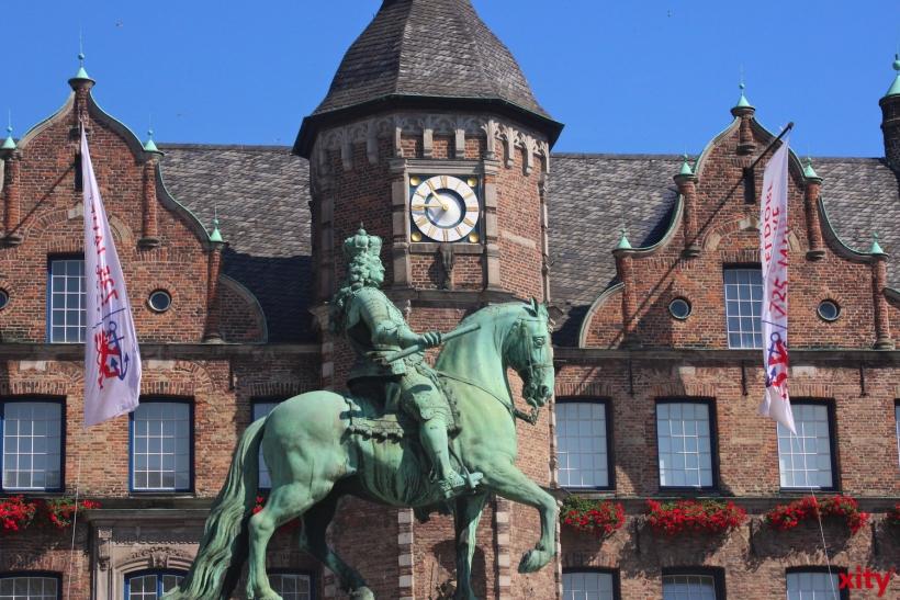 Klaus Engelhardt kaufte am Wochenende das Düsseldorfer Rathaus (xity-Foto: D. Postert)