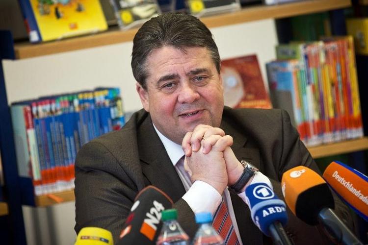 Streit um EEG-Rabatte: Gabriel reist nach Brüssel (© 2014 AFP)