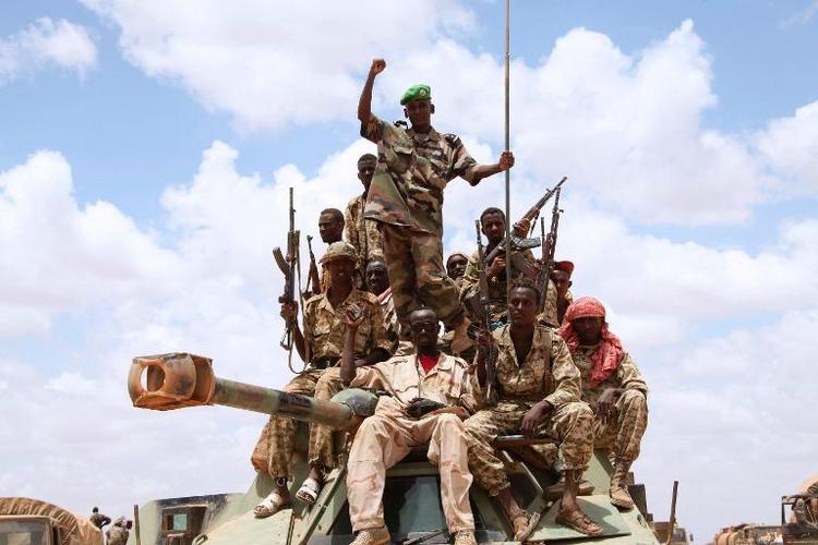 Bundestag stimmt für Bundeswehr-Einsatz in Somalia (© 2014 AFP)