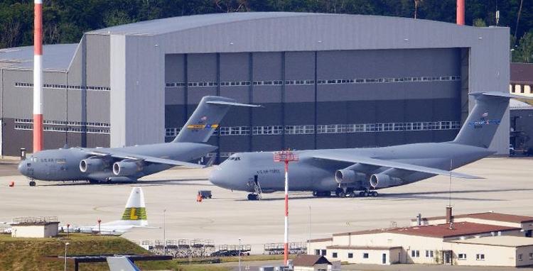 Ramstein soll zentrale Rolle in US-Drohnenkrieg spielen (© 2014 AFP)