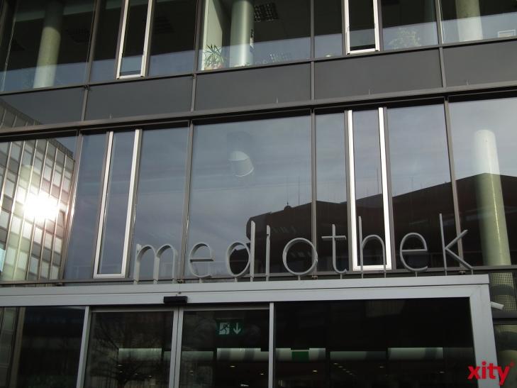 "Mediothek Krefeld: Neue Kampagne ""Buch spenden, kann Lesen retten"" (xity-Foto: E. Aslanidou)"