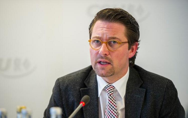 CSU fordert härteres Vorgehen gegen Armutzuwanderung (© 2014 AFP)