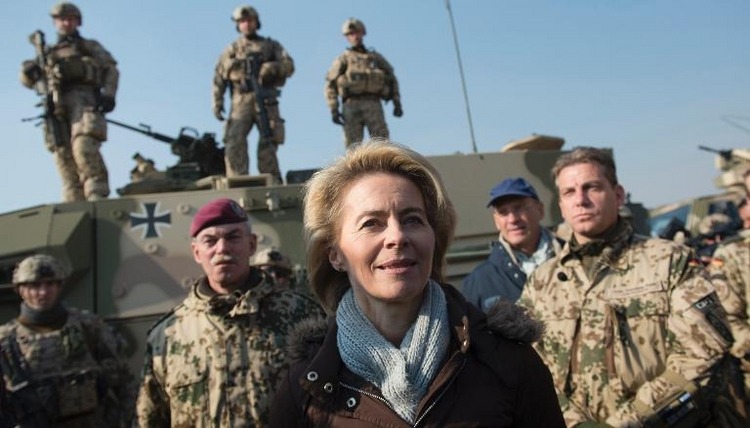 Von der Leyen zieht positive Bilanz von Afghanistan-Einsatz (© 2014 AFP)