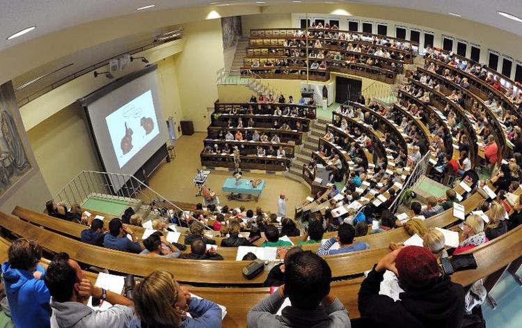 OECD erneuert Kritik am deutschen Bildungssystem (© 2014 AFP)