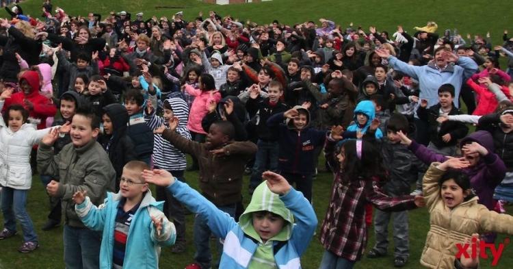 28. Krefelder Grundschulsporttag: 1700 Kinder verwandeln Glockenspitzhalle in Tollhaus. (xity-Foto: M. Völker)