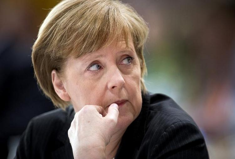Merkel rügt unionsinterne Kritiker von Rentenreform (© 2014 AFP)