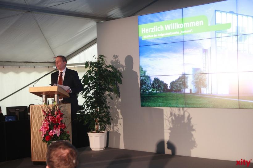 Dr. Udo Brockmeier, Vorstandsvorsitzender der Stadtwerke Düsseldorf freut sich über den bisherigen Baufortschritt (xity-Foto: P. Basarir)