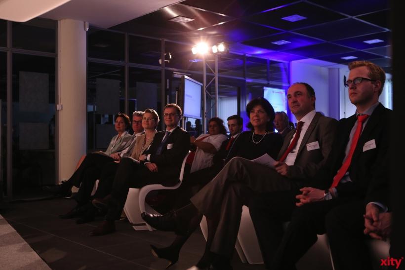 Die Teilnehmer hörten interessiert zu (xity-Foto: D. Creutz)
