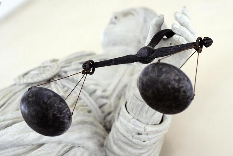 Gericht regelt Geschenke-Rückgabe nach Liebes-Aus (© 2014 AFP)