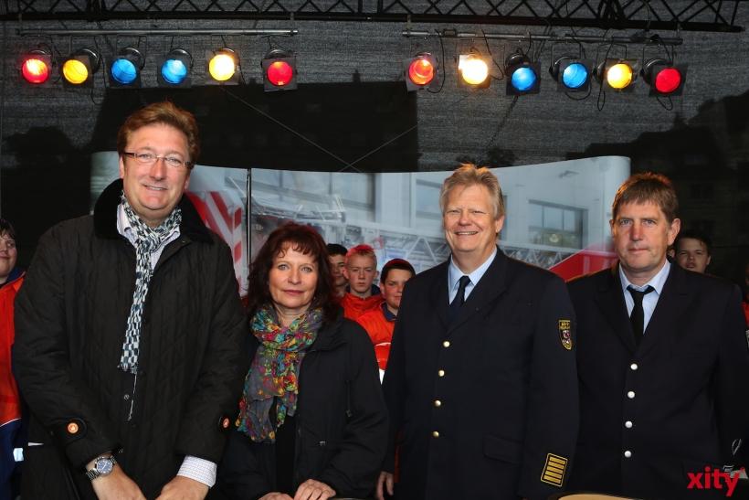 Dirk Elbers eröffnete das Fest zusammen mit Helga Stulgies, Peter Albers und Kaspar Hilger (v.l.) (xity-Foto: D. Creutz)