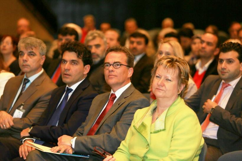Krefelds Oberbürgermeister Gregor Kathstede betonte die jahrhundertlange Tradition religiöser Vielfalt in der Samt- und Seidenstadt. (Foto: Stadt Krefeld)