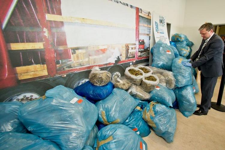 Ermittler heben internationalen Drogenschmugglerring aus (© 2014 AFP)