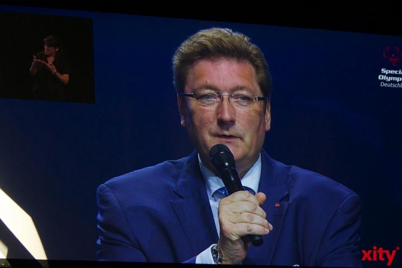 Auch Oberbürgermeister Dirk Elbers war bei der Eröffnung anwesend. (xity-Foto: H. Müller)