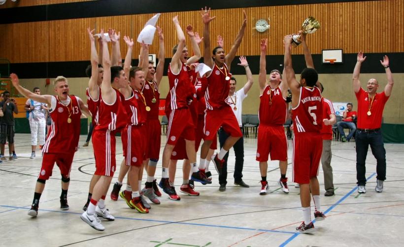 Ein stimmungsvolles und sehr gut besuchtes Pokalwochenende erlebten die Zuschauer beim U18 TOP 4 in der Krefelder Josef Koerver Halle. (Foto: John F. Bruhnke)