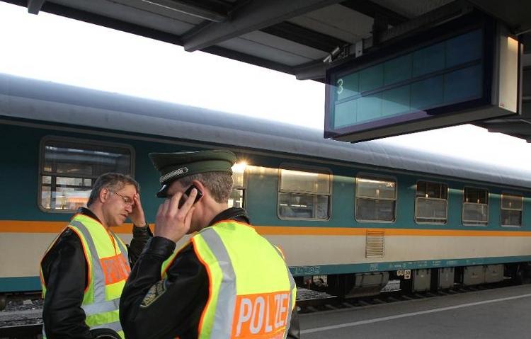 Bundespolizei ist für Bahnhofsvorplätze nicht zuständig  (© 2014 AFP)