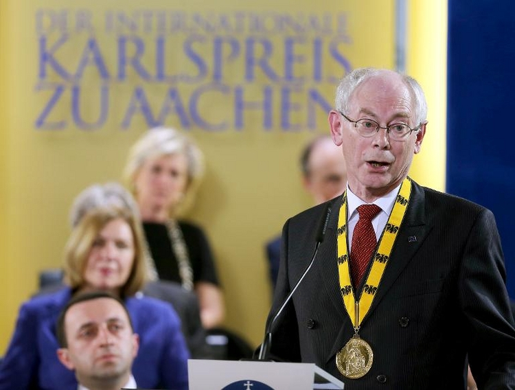 Karlspreisträger Van Rompuy kritisiert Russland (© 2014 AFP)