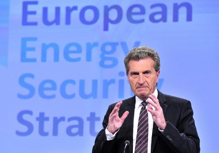Oettinger: EU-Spitzenposten vor Sommerpause klären (© 2014 AFP)