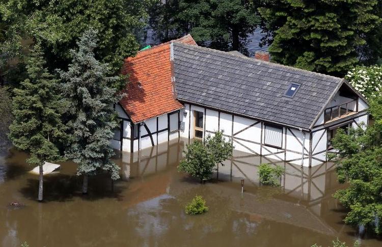 Offiziell 14 Tote bei Hochwasser im Sommer 2013 (© 2014 AFP)