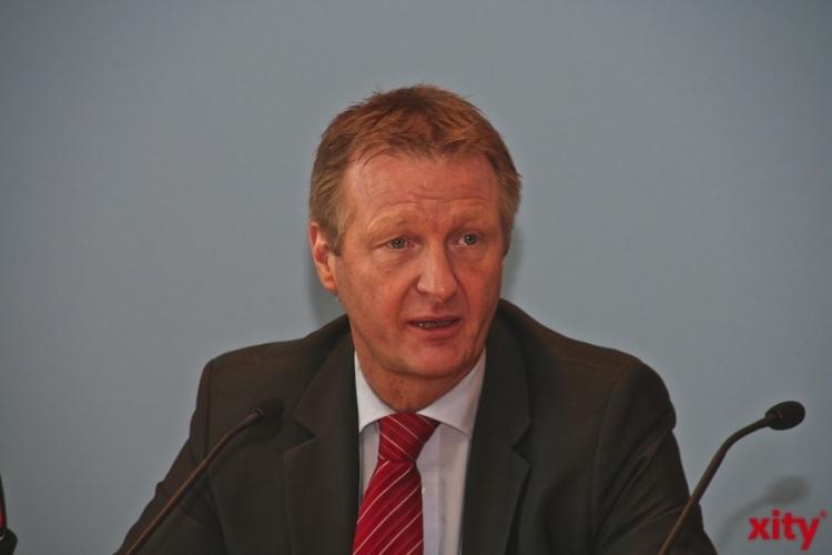 Innenminister Ralf Jäger zum neuen digitalen 3D-Gebäudemodell von NRW (xity-Foto: M. Völker)
