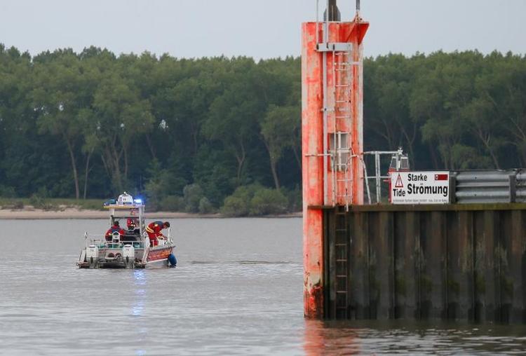 Zwei Tote bei Bootsunfall auf der Elbe (© 2014 AFP)