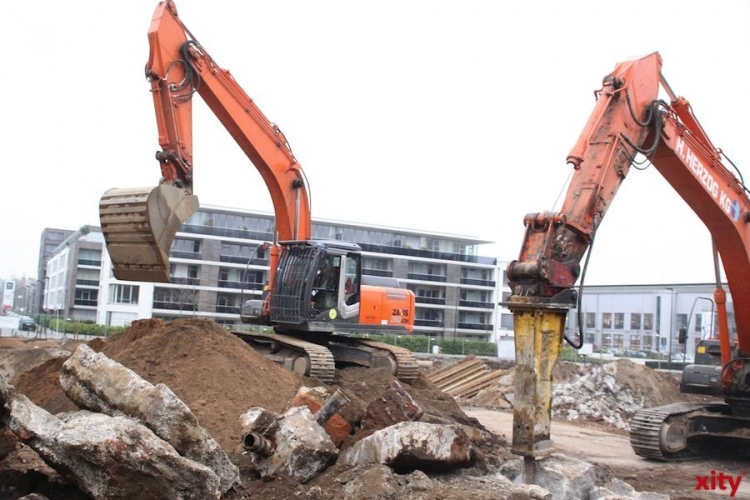 Ausbau des letzten Teilstücks der Innenhafenpromenade beginnt. (xity-Foto: D. Mundstock)