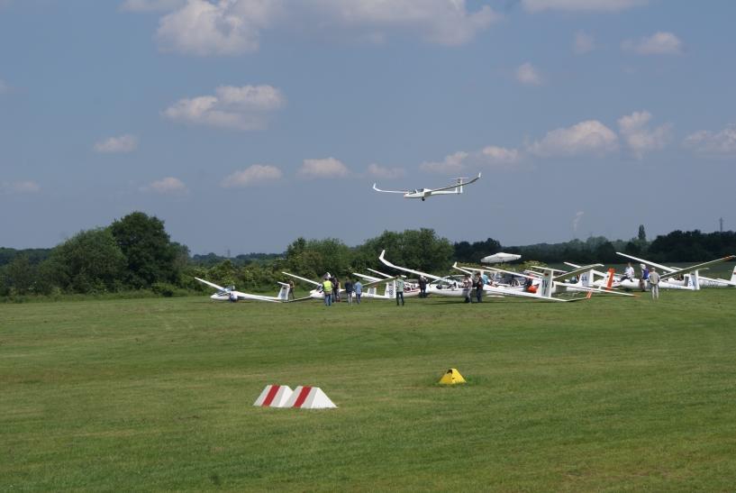 Vor jedem Start  ist der Check des Flugzeugs ein absolutes Muss. (xity-Foto: E. Aslanidou)