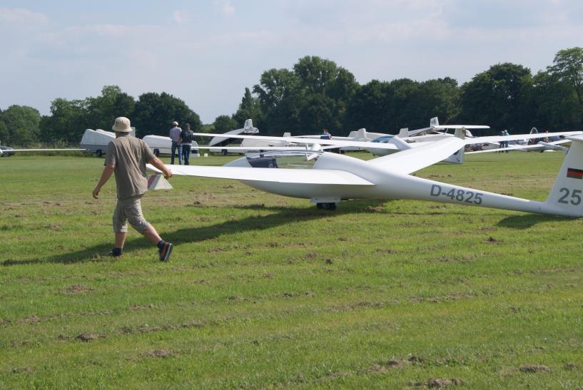 Kein Motorenlärm stört das  Flugerlebnis, lediglich das leise zischende Geräusch des Fahrtwindes ist zu hören. (xity-Foto: E. Aslanidou)