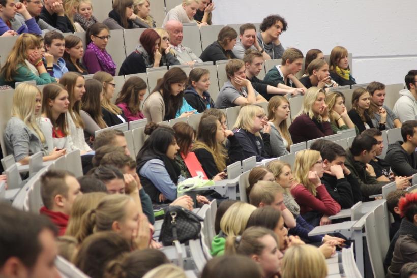 Vortrag und Informationen über Schülerstudium im Studienzentrum Krefeld. (xity-Foto: D. Postert)