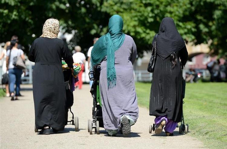 Weniger Deutsche stimmen rechtsextremen Aussagen zu (© 2014 AFP)