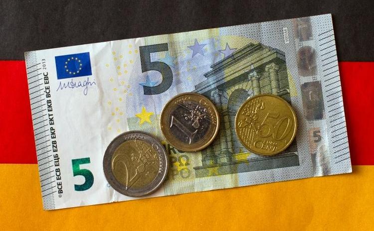 Bundestag debattiert über Mindestlohn (© 2014 AFP)