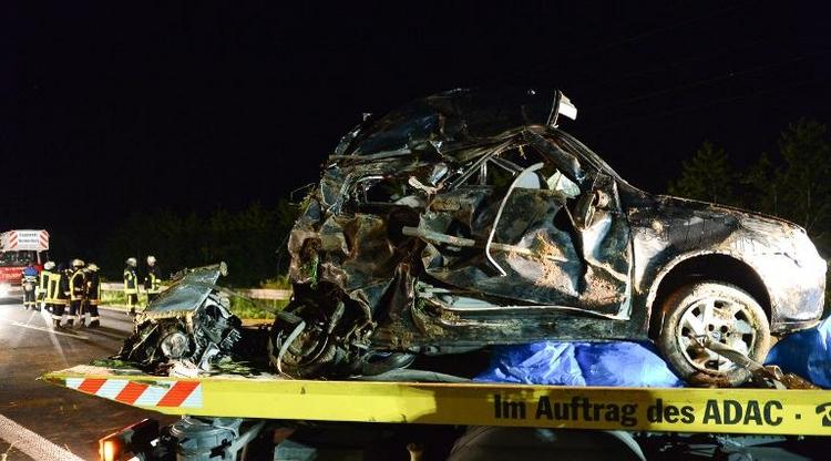 Ehepaar und Sohn bei Unfall in Unterfranken getötet (© 2014 AFP)