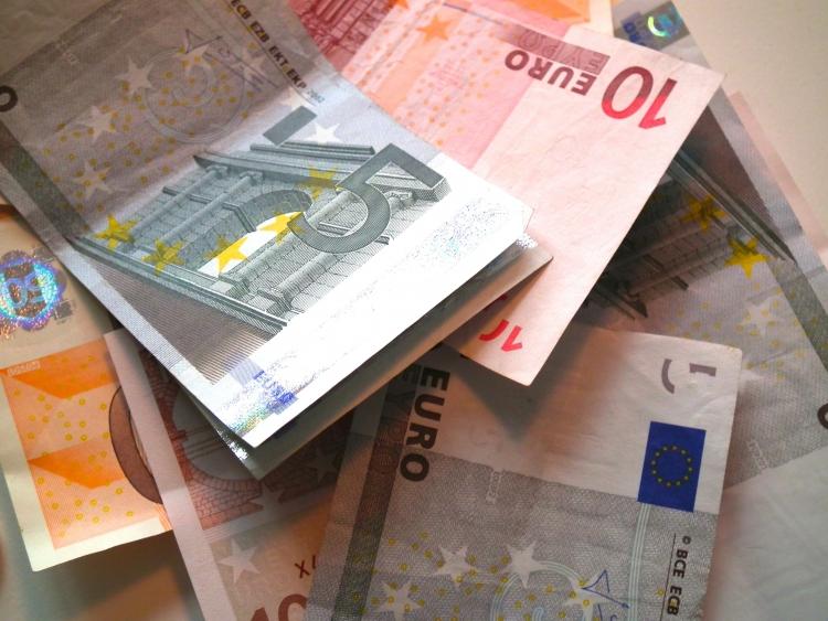 Der DGB-Krefeld begrüßt den Entwurf für einen gesetzlichen Mindestlohn, der heute erstmalig im Bundestag debattiert worden ist. (xity-Foto: M. Völker)
