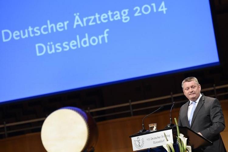 Gesundheitsminister Gröhe wirbt für mehr Organspenden (© 2014 AFP)