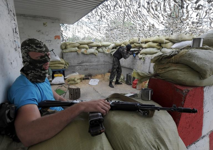 Steinmeier warnt Kiew vor übermäßigen Militäreinsätzen (© 2014 AFP)