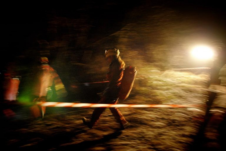 Schwierige Rettung für verunglückten Höhlenforscher (© 2014 AFP)