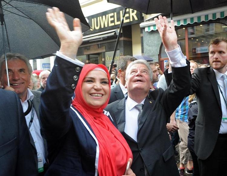 Gauck ruft bei Demo gegen Rechts zu Respekt auf (© 2014 AFP)