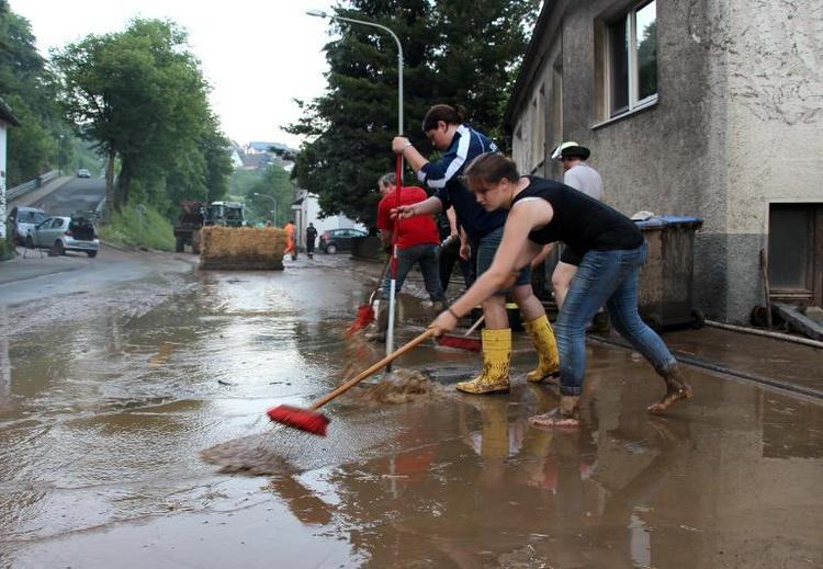 Heftige Unwetter wüten in Teilen von Nordrhein-Westfalen (© 2014 AFP)