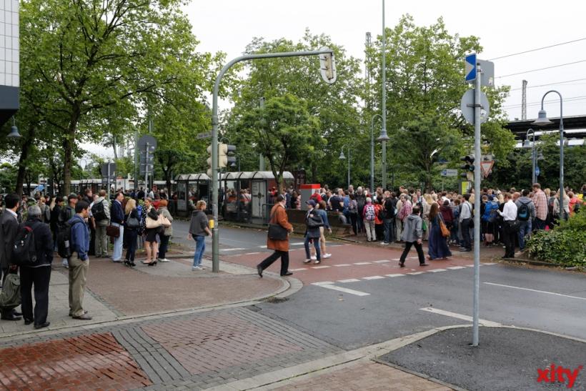 Stillstand am Neusser Hauptbahnhof (xity-Foto: D. Creutz)