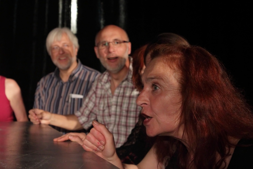 Am 26. und 28. Juni 2014, gibt es in der Fabrik Heeder getanzte und gespielte Ungereimtheiten, Gedichte und Geschichten und etliche Überraschungen im DADA und HIERHIER warten auf das interessierte Publikum. (Foto: Thomas Weinmann)