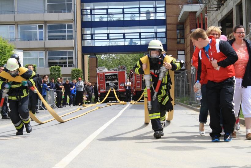 Die erste Challange beim Toughest Firefighter Alive (Foto: Feuerwehr MG)