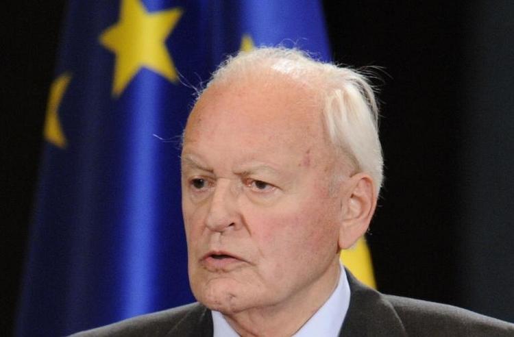 "Herzog verlangt ""Abwehrrechte"" der Parlamente gegen EU (© 2014 AFP)"