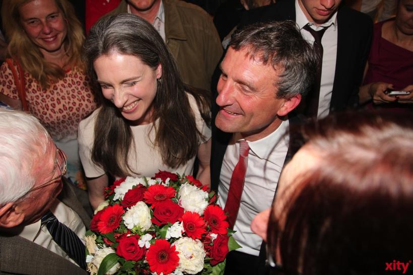 Oberbürgermeister Thomas Geisel feierte gemeinsam mit seiner Frau Vera den Sieg (xity-Foto: P. I.)