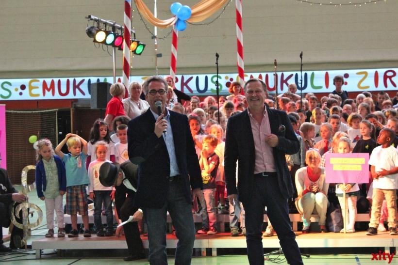 Hunderte Zuschauer in der vollbesetzten Glockenspitzhalle, unter ihnen auch Krefelds Oberbürgermeister Gregor Kathstede. (xity-Foto: E. Aslanidou)