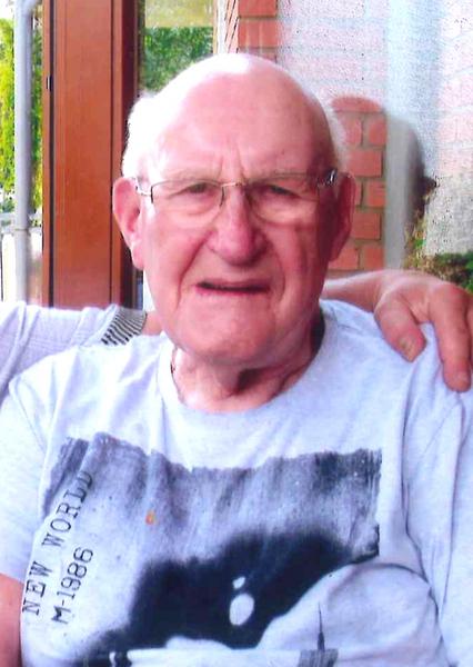 Seit Montag, dem 16. Juni 2014, wird der unter vaskulärer Demenz leidende 78-jährige Dieter Haake aus Krefeld vermisst. (Foto: Polizei Krefeld)