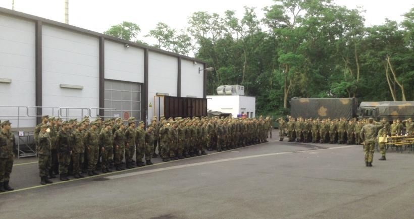Bundeswehr rückt aus Düsseldorf ab (Foto: Feuerwehr Düsseldorf)