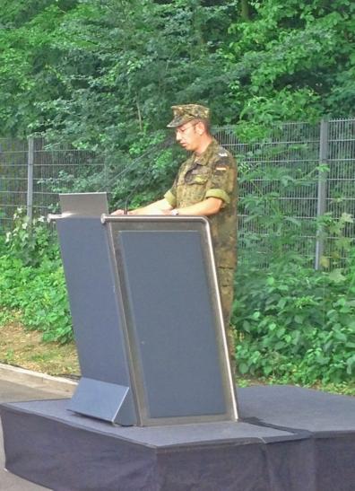Major Thiele beim Abschlussappell (Foto: Feuerwehr Düsseldorf)