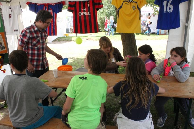 Auf der viertägigen Kinder-Weltausstellung erklären Aktionen, Informationen und Projekte die Situation von jungen Menschen weltweit und geben Einblicke in deren alltägliches Leben. (xity-Foto: E. Aslanidou)