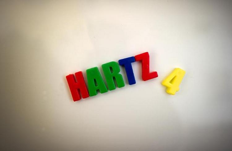 Schulden und Suchtprobleme bei Hartz-4-Empfängern häufig (© 2014 AFP)