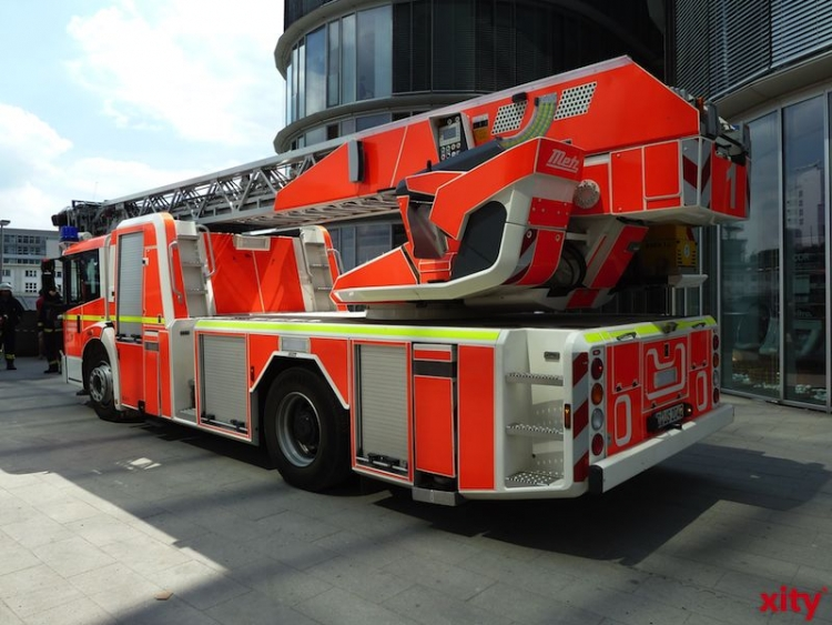 Containerbrand in Velbert (xity-Foto: P.I.)